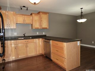 Photo 5: 455 Brooklyn Crescent in Warman: Residential for sale : MLS®# SK859831