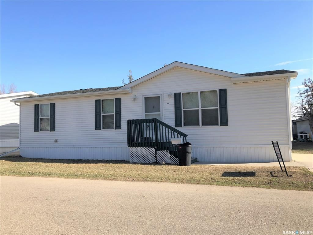 Main Photo: D-2 1295 9th Avenue Northeast in Moose Jaw: Hillcrest MJ Residential for sale : MLS®# SK837489