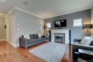 Photo 3: 1218 Parkdale Creek Gdns in VICTORIA: La Westhills House for sale (Langford)  : MLS®# 814828