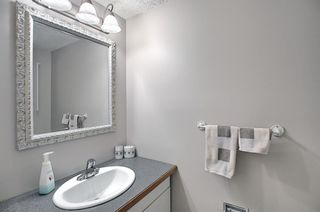 Photo 19: 787 Kingsmere Crescent SW in Calgary: Kingsland Row/Townhouse for sale : MLS®# A1108605
