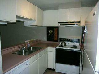 Photo 4: 104 863 W 16TH AV in Vancouver: Fairview VW Condo for sale (Vancouver West)  : MLS®# V594176