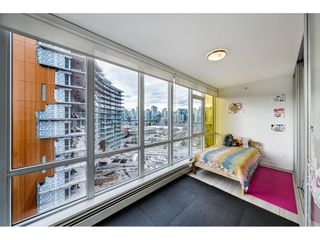 "Photo 11: 1009 1788 COLUMBIA Street in Vancouver: False Creek Condo for sale in ""EPIC AT WEST"" (Vancouver West)  : MLS®# R2549911"