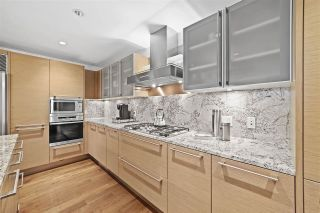 """Photo 4: 3603 1111 ALBERNI Street in Vancouver: West End VW Condo for sale in """"SHANGRI-LA"""" (Vancouver West)  : MLS®# R2521005"""