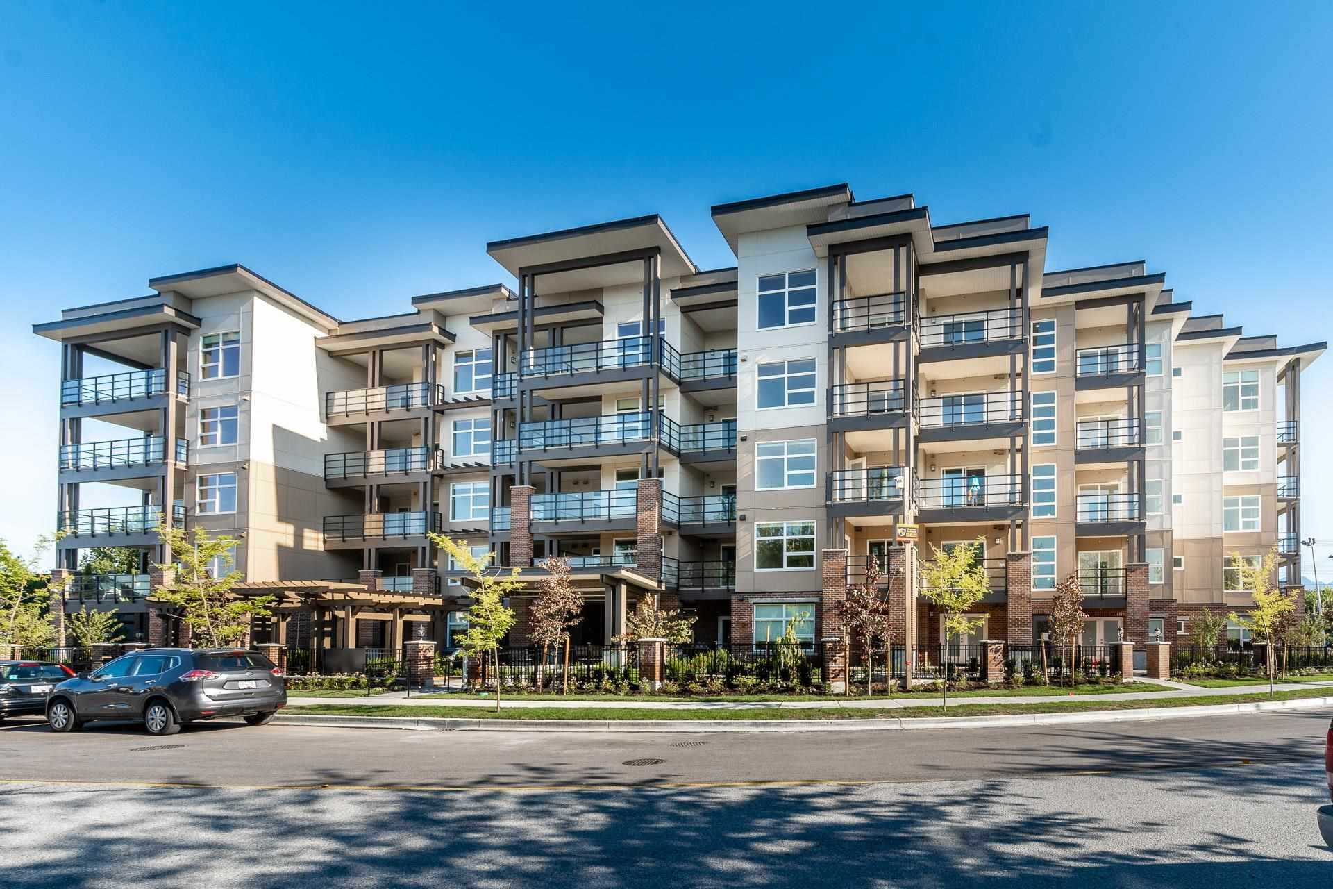 Main Photo: 110 22577 ROYAL Crescent in Maple Ridge: East Central Condo for sale : MLS®# R2601899