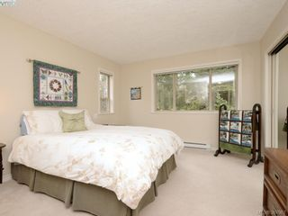 Photo 12: 2 127 Aldersmith Pl in VICTORIA: VR Glentana Row/Townhouse for sale (View Royal)  : MLS®# 779387