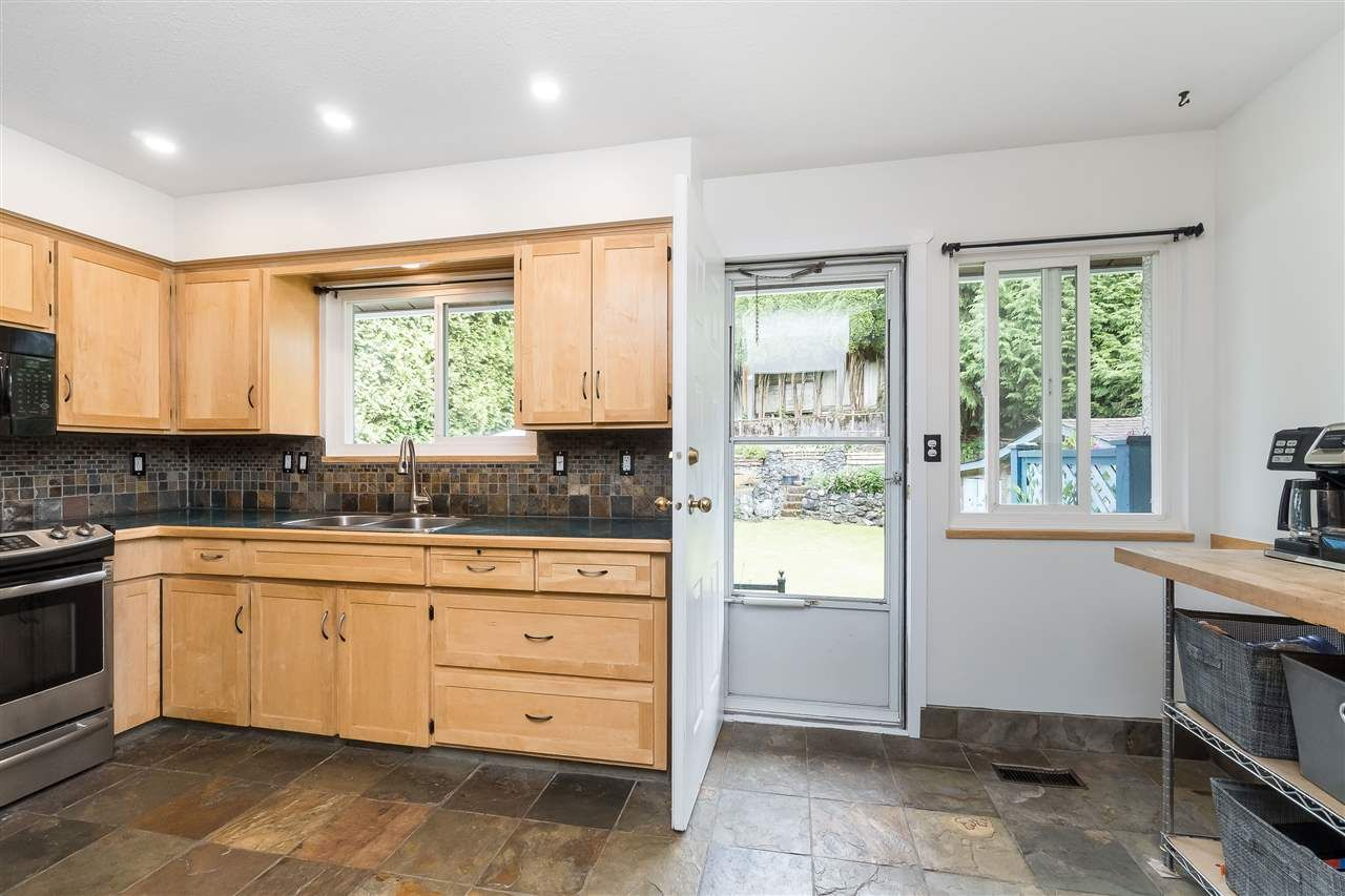 Photo 16: Photos: 3124 BABICH Street in Abbotsford: Central Abbotsford House for sale : MLS®# R2480951