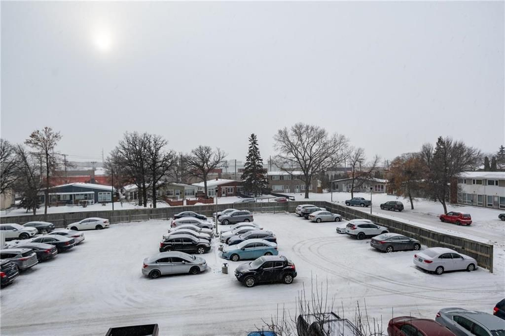 Photo 13: Photos: 309 1600 Taylor Avenue in Winnipeg: River Heights South Condominium for sale (1D)  : MLS®# 202101594