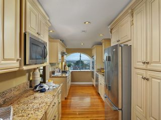 Photo 5: CLAIREMONT House for sale : 3 bedrooms : 3360 Mt. Laurence Drive in San Diego