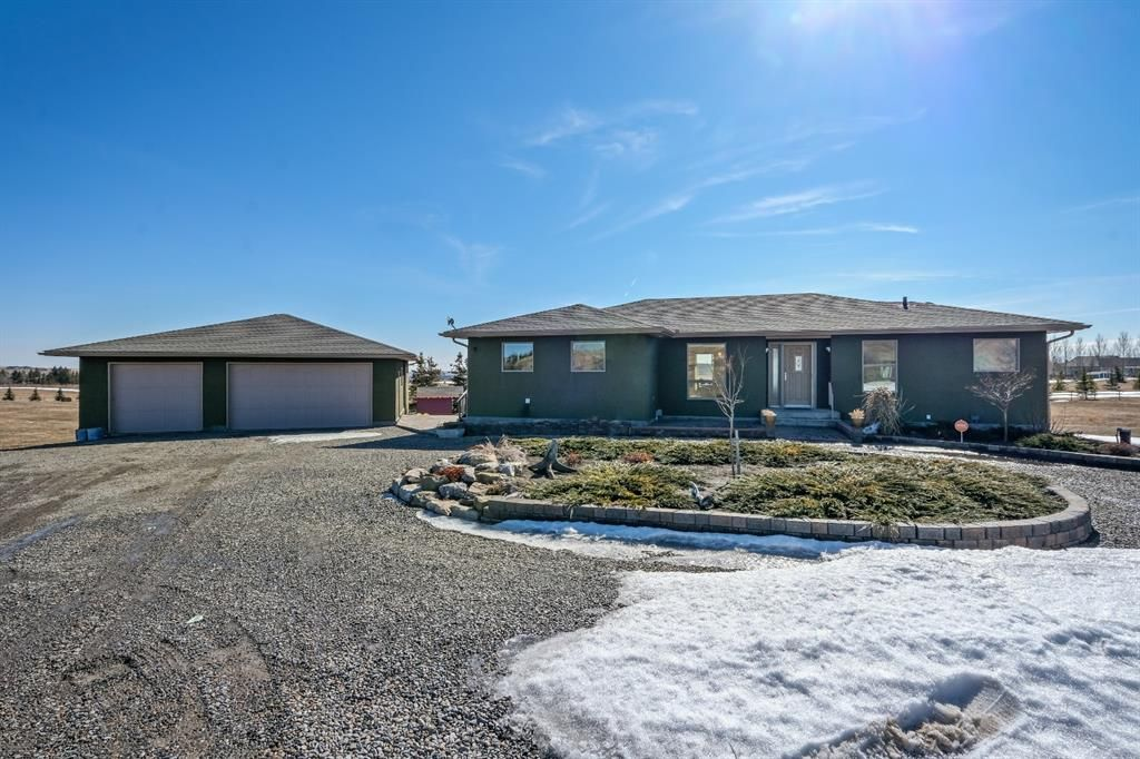 Main Photo: 21015 434 Avenue W: Rural Foothills County Detached for sale : MLS®# A1081962