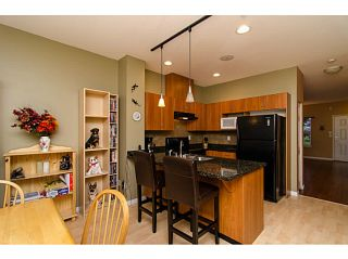 """Photo 7: 71 1055 RIVERWOOD Gate in Port Coquitlam: Riverwood Townhouse for sale in """"MOUNTAIN VIEW ESTATES"""" : MLS®# V999954"""