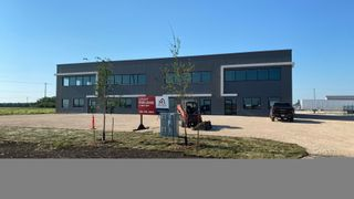 Photo 1: 13 Fast Lane in Headingley: Industrial for sale : MLS®# 202107384