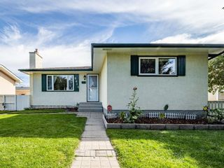 Photo 2: 6044 4 Street NE in Calgary: Thorncliffe Detached for sale : MLS®# A1144171