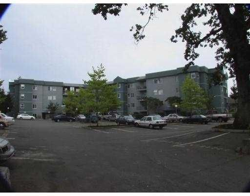 """Main Photo: 402 1050 BRAIDWOOD RD in No City Value: Out of Town Condo for sale in """"BRAIDWOOD MANOR"""" : MLS®# V554040"""