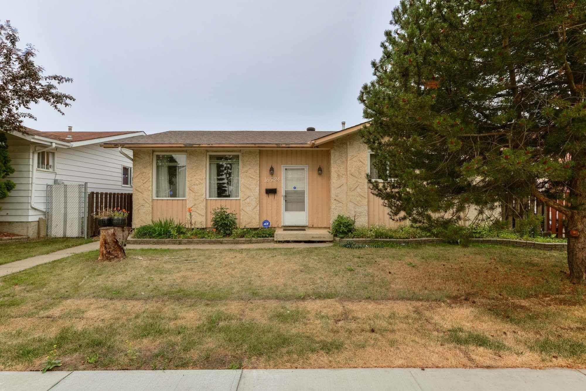 Main Photo: 16524 100 Street in Edmonton: Zone 27 House for sale : MLS®# E4257687
