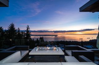 Photo 1: 2786 HIGHGROVE Place in West Vancouver: Whitby Estates Townhouse for sale : MLS®# R2524982