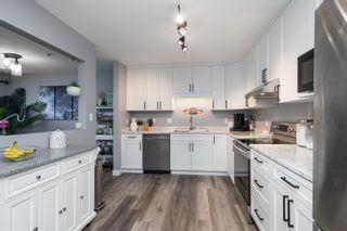 """Photo 8: 303 5909 177B Street in Surrey: Cloverdale BC Condo for sale in """"Carriage Court"""" (Cloverdale)  : MLS®# R2617763"""