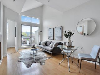 """Main Photo: 208 188 E 33RD Avenue in Vancouver: Main Condo for sale in """"Queen's Plaza"""" (Vancouver East)  : MLS®# R2627965"""