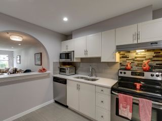"Photo 12: 108 1655 GRANT Avenue in Port Coquitlam: Glenwood PQ Condo for sale in ""THE BENTIN"" : MLS®# R2574865"