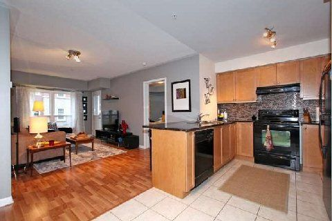 Photo 10: Photos: 02 10 Mendelssohn Street in Toronto: Clairlea-Birchmount Condo for sale (Toronto E04)  : MLS®# E3072295