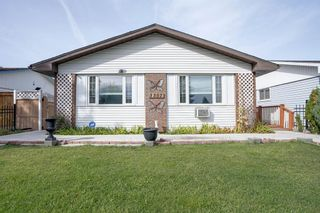 Photo 6: 3307 39 Street SE in Calgary: Dover Detached for sale : MLS®# A1148179