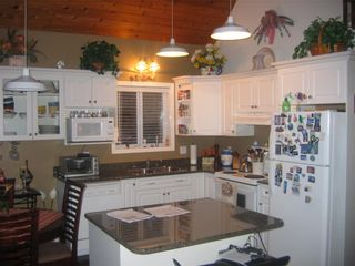 "Photo 6: Eagle Bay - Shuswap Lake 6421 Eagle Bay Road # 35: House for sale in ""Wildrose Bay Properties"""