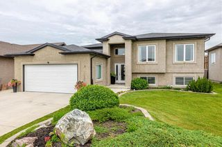Main Photo: 5 CARILLON Way in Steinbach: R16 Residential for sale : MLS®# 202115876