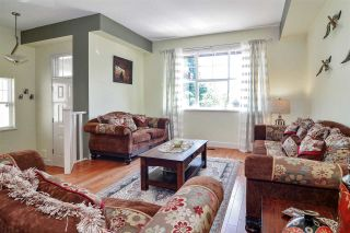 Photo 2: 127 FOREST PARK Way in Port Moody: Heritage Woods PM 1/2 Duplex for sale : MLS®# R2590882