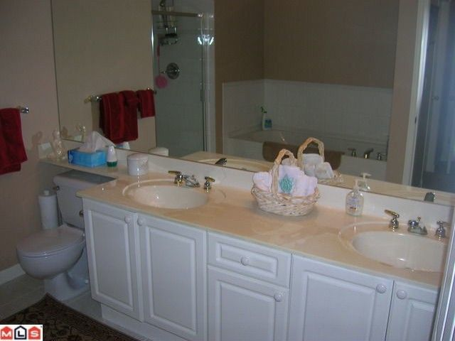 """Photo 9: Photos: 16 9025 216TH Street in Langley: Walnut Grove Townhouse for sale in """"COVENTRY WOODS"""" : MLS®# F1006312"""