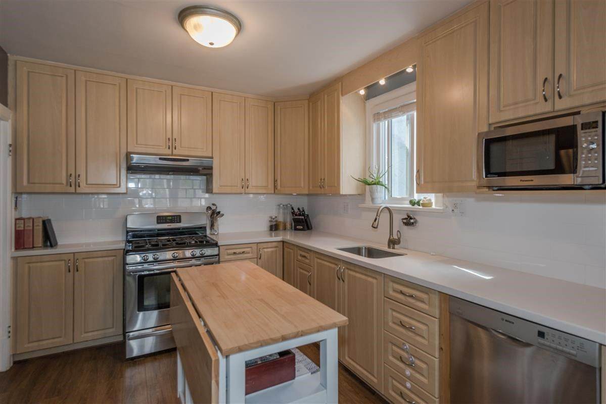 Photo 5: Photos: 2225 E 27TH AVENUE in Vancouver: Victoria VE House for sale (Vancouver East)  : MLS®# R2206387