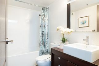 """Photo 15: 602 1177 PACIFIC Boulevard in Vancouver: Yaletown Condo for sale in """"PACIFIC PLAZA"""" (Vancouver West)  : MLS®# R2421306"""