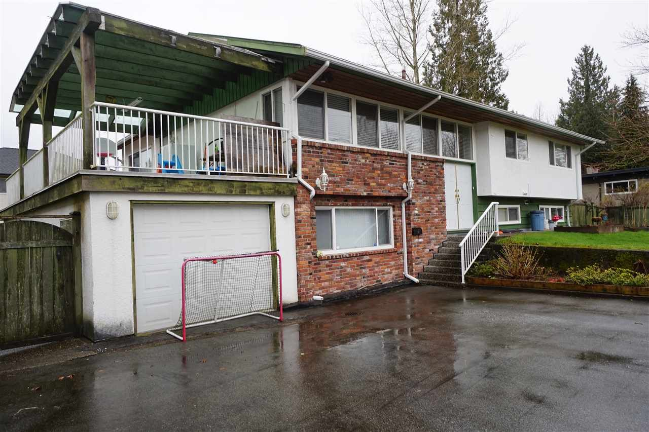 Main Photo: 2431 GLENWOOD Avenue in Port Coquitlam: Woodland Acres PQ House for sale : MLS®# R2557466