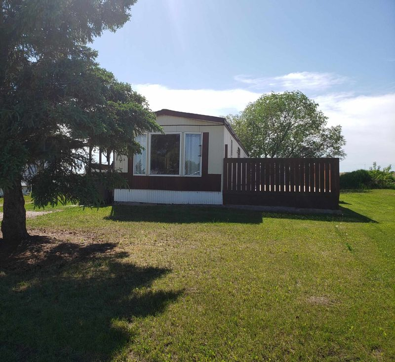 FEATURED LISTING: 5202 56 Street Elk Point