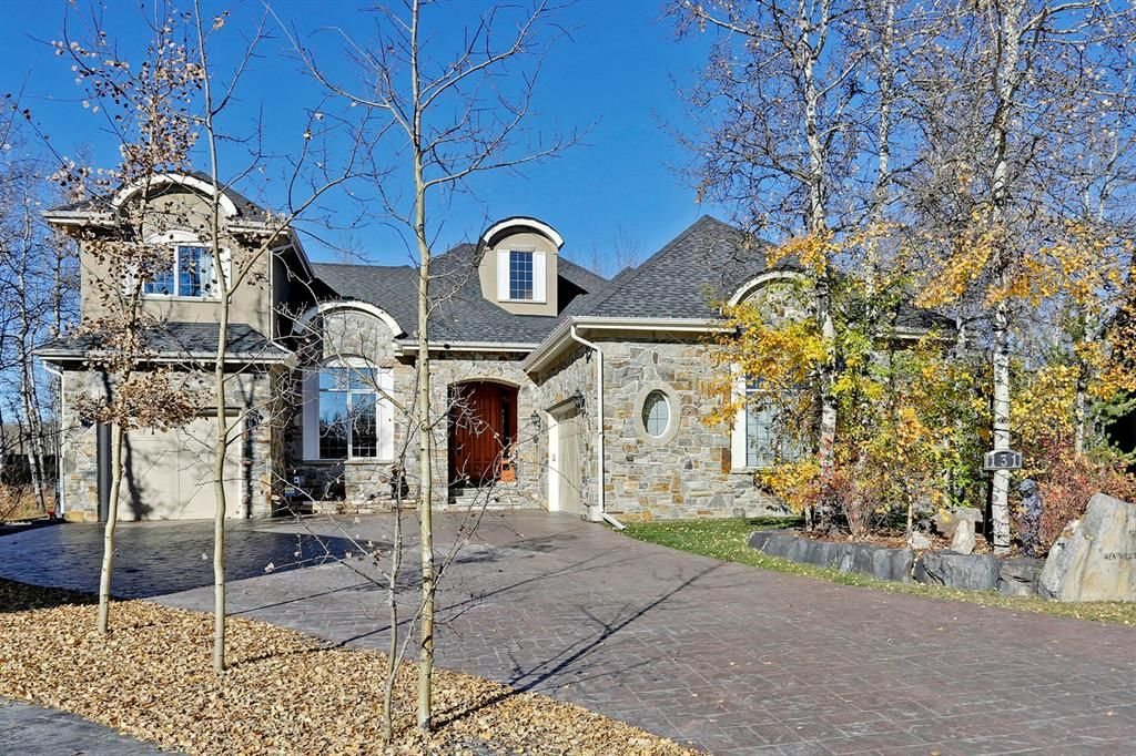 Main Photo: 131 Wentwillow Lane SW in Calgary: West Springs Detached for sale : MLS®# A1097582