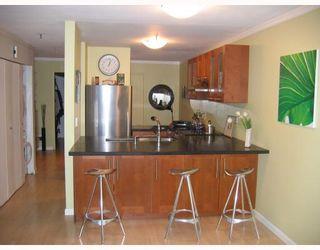 Photo 7: 110 2020 W 8TH Avenue in Vancouver: Kitsilano Condo for sale (Vancouver West)  : MLS®# V763790