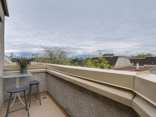 """Photo 9: 58 870 W 7TH Avenue in Vancouver: Fairview VW Townhouse for sale in """"Laurel Court"""" (Vancouver West)  : MLS®# R2169394"""
