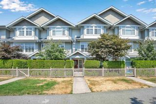 """Photo 2: 33 19330 69 Avenue in Surrey: Clayton Townhouse for sale in """"Montebello"""" (Cloverdale)  : MLS®# R2599143"""
