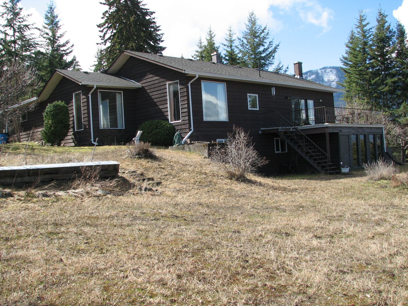 Main Photo: 1563 Kyte Rd in Sorretno: Sorrento House for sale (Shuswap)  : MLS®# 10175854