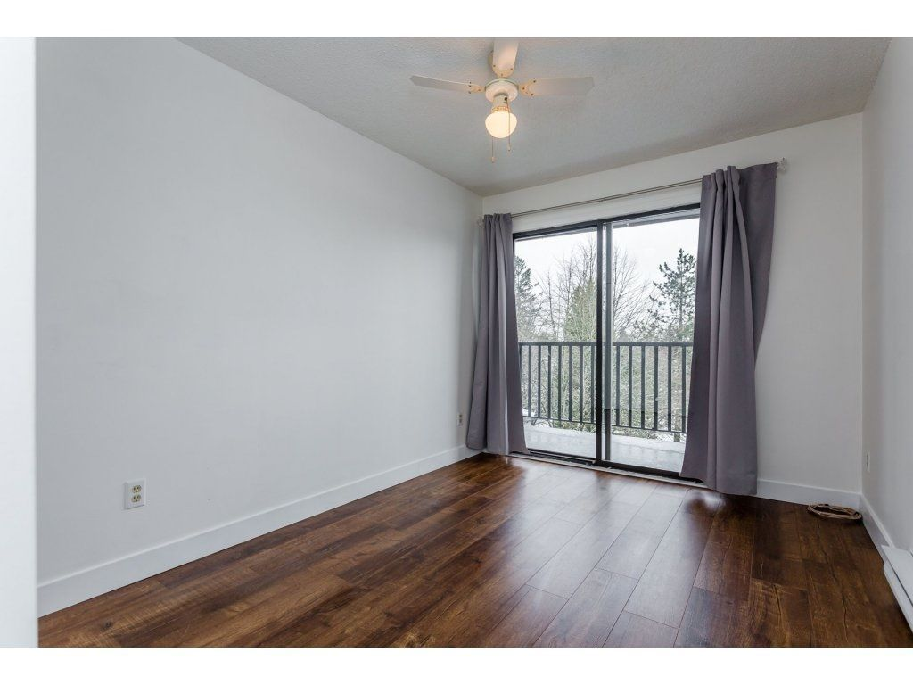"""Photo 16: Photos: 303 9952 149 Street in Surrey: Guildford Condo for sale in """"Tall Timbers"""" (North Surrey)  : MLS®# R2241309"""