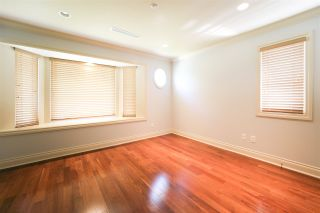 Photo 10: 156 E 19TH Avenue in Vancouver: Main House for sale (Vancouver East)  : MLS®# R2369823