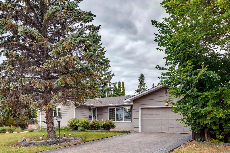 Main Photo: 82 FAIRWAY Drive in Edmonton: Zone 16 House for sale : MLS®# E4266254