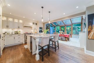 Photo 10: 4396 LOCARNO CRESCENT in Vancouver: Point Grey House for sale (Vancouver West)  : MLS®# R2432027
