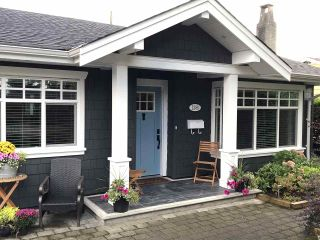 """Photo 2: 1388 OAKWOOD Crescent in North Vancouver: Norgate House for sale in """"Norgate"""" : MLS®# R2546691"""