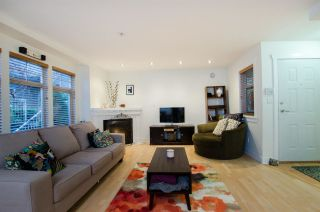 Photo 3: 1672 GRANT Street in Vancouver: Grandview Woodland Townhouse for sale (Vancouver East)  : MLS®# R2430488