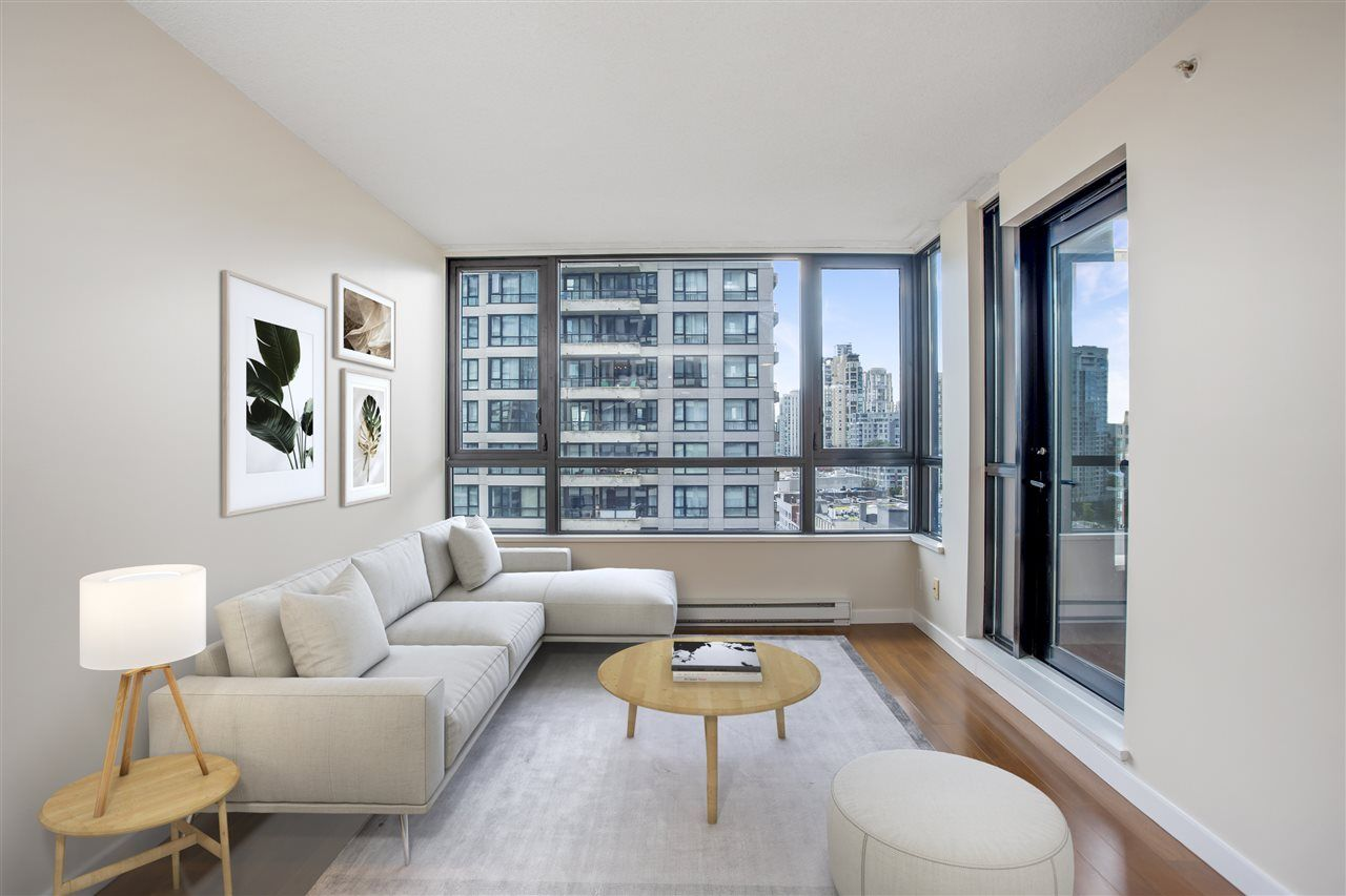"""Main Photo: 1306 909 MAINLAND Street in Vancouver: Yaletown Condo for sale in """"YALETOWN PARK 2"""" (Vancouver West)  : MLS®# R2516846"""