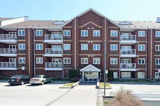 Photo 1: 38 189 W Lake Driveway in Ajax: South West Condo for sale : MLS®# E2615874