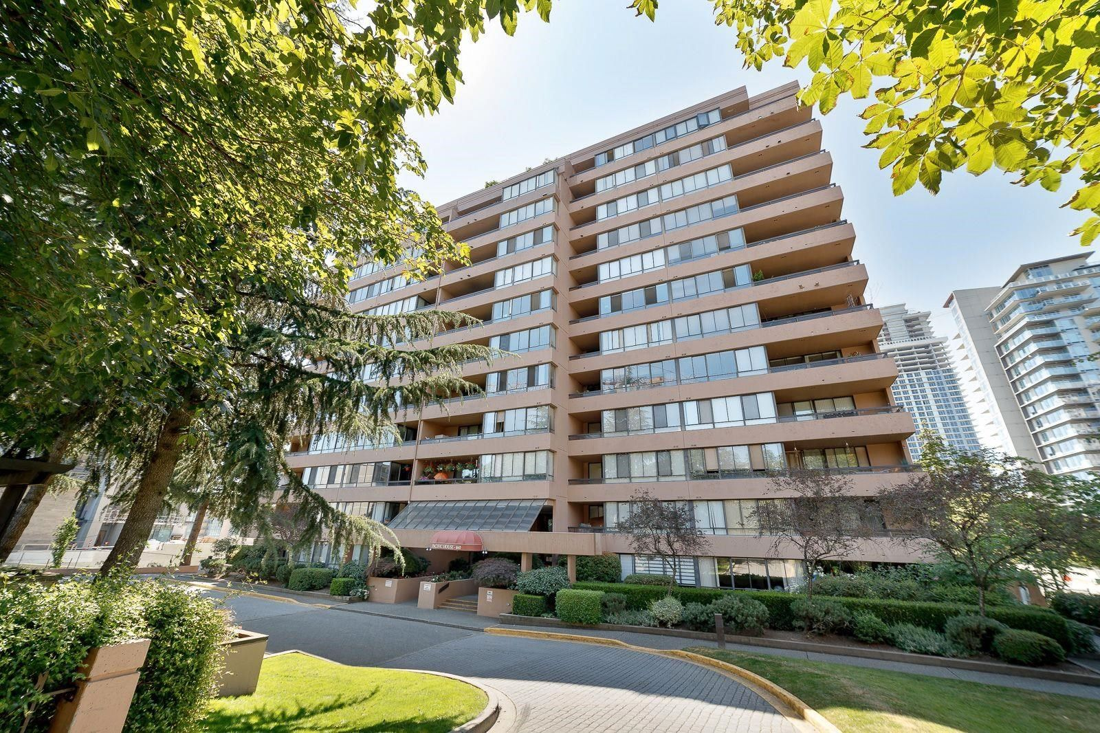 """Main Photo: 609 460 WESTVIEW Street in Coquitlam: Coquitlam West Condo for sale in """"PACIFIC HOUSE"""" : MLS®# R2610308"""