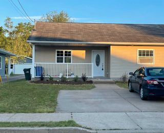 Photo 1: 37 BIGELOW Street in Wolfville: 404-Kings County Residential for sale (Annapolis Valley)  : MLS®# 202114440