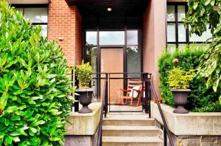 "Photo 1: TH6 2349 SCOTIA Street in Vancouver: Mount Pleasant VE Townhouse for sale in ""SOCIAL"" (Vancouver East)  : MLS®# R2473328"