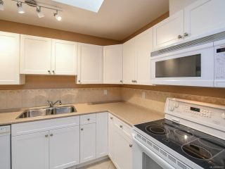Photo 11: 106 2077 St Andrews Way in COURTENAY: CV Courtenay East Row/Townhouse for sale (Comox Valley)  : MLS®# 836791