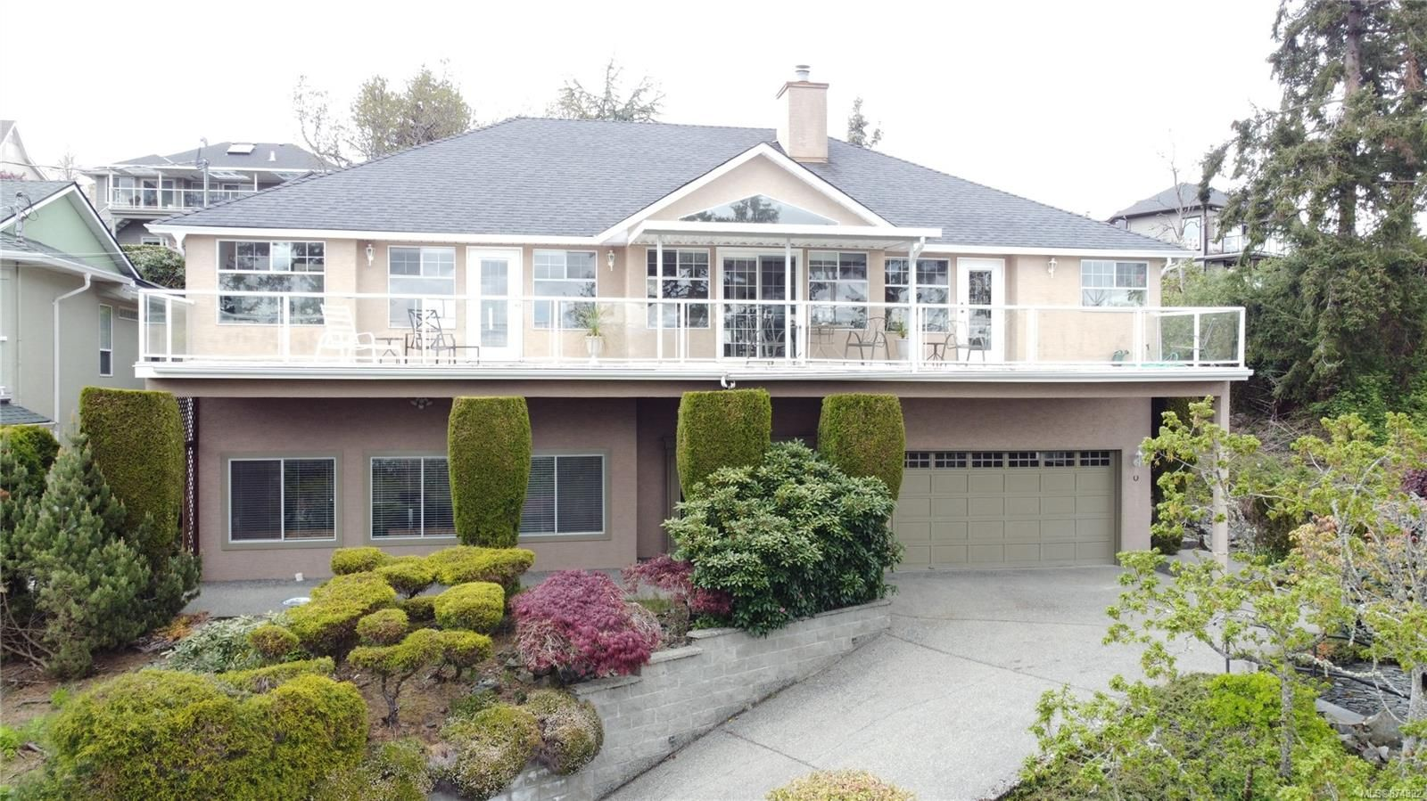 Main Photo: 3339 Stephenson Point Rd in : Na Departure Bay House for sale (Nanaimo)  : MLS®# 874392
